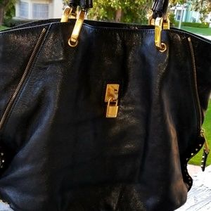 MARC JACOBS BLACK LEATHER HANDBAG